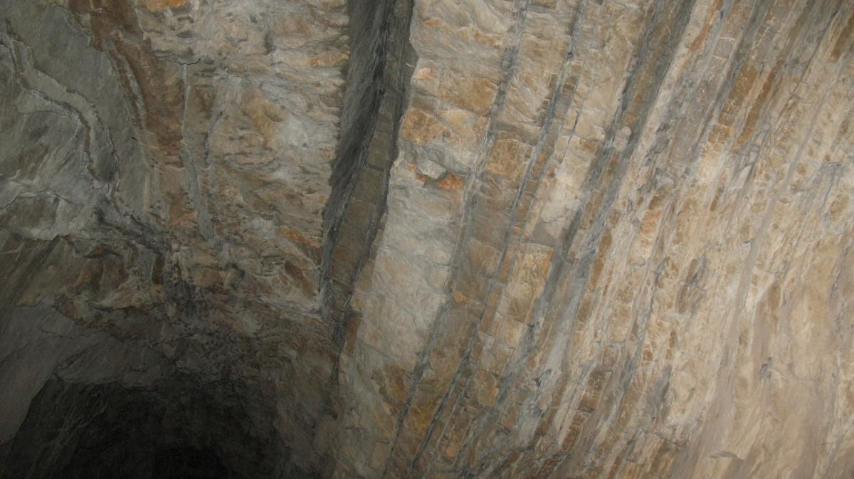 Structura rocilor in interiorul tunelului