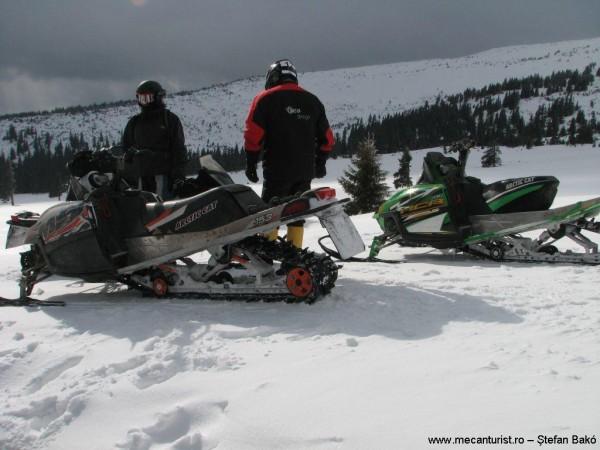 06. Snow mobile