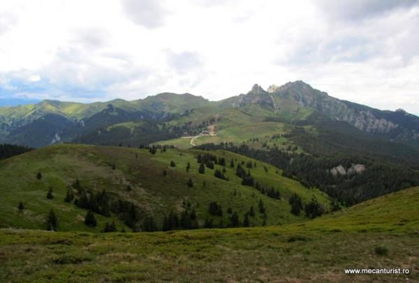 Partea centrală şi vestică a Munţilor Ciucaş