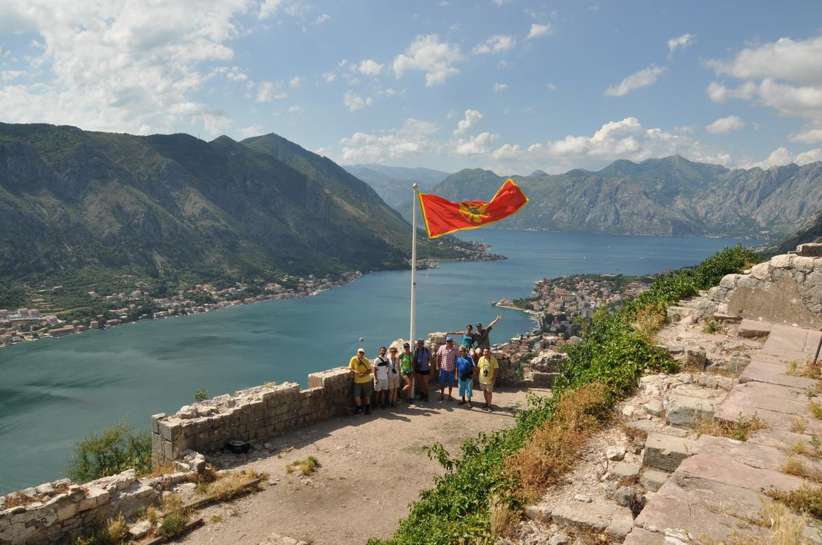 077 Fotografie de grup, Stari Grad Kotor, Golful Kotor, Muntenegru_resize
