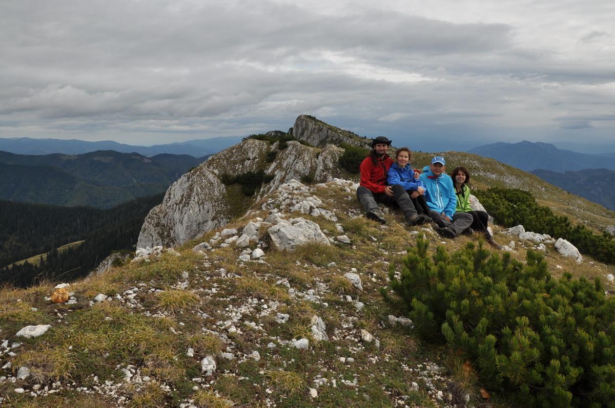 106 Fotografie de grup, Vf. Buila 1849m, Muntele Buila, Masivul Buila-Vanturarita_resize