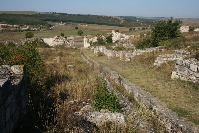 Tropaeum Traiani - strada principala