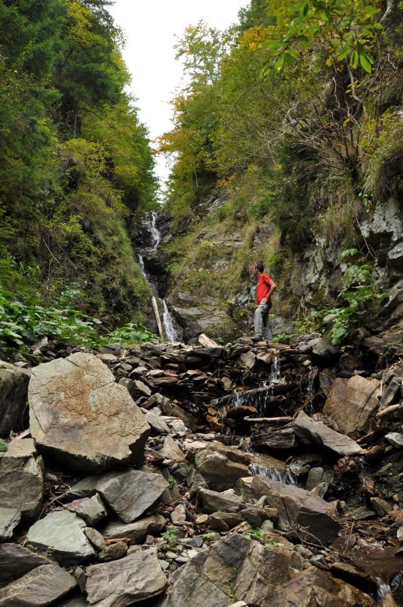 944 Cascada, Valea Cormaia, Muntii Rodnei