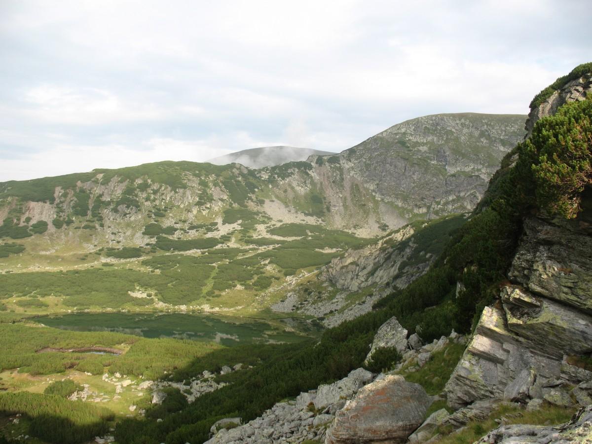 051. Vedere spre lacul Calcescu